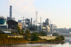 IMG_7822 (lepista) Tags: city morning mist sunrise river industrial weaver complex runcorn 20071020