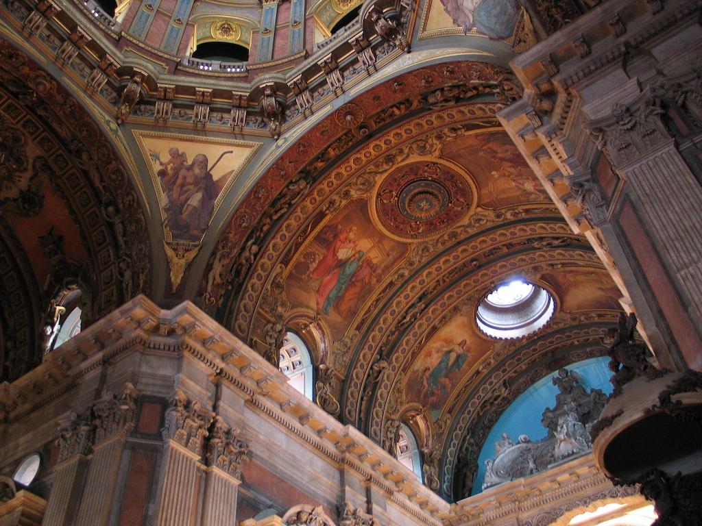 Dentro da Igreja da Candelária