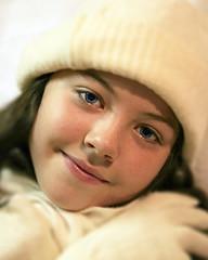 jellybean :o) (helen geraghty) Tags: winter portrait girl hat scarf bravo gloves soe nell flickrsbest anawesomeshot aplusphoto diamondclassphotographer nellymunn helenmunnelly helengeraghty