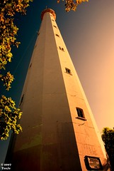 Anyer Lighthouse (T   J ) Tags: lighthouse tower indonesia torre westjava soe trn supershot 18200vr d80 flickrsbest banten teeje anawesomeshot superbmasterpiece diamondclassphotographer fiveflickrfavs theperfectphotographer hccity anyerlighthouse