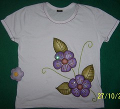 Primavera (danynunes2002) Tags: moda bordados camisetas customizao apliques camisetascustomizadas