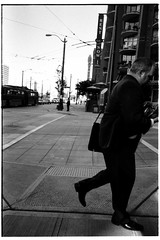 506 flickr 346 (irq506) Tags: street leica sky blackandwhite usa photography blackwhite washington mood pavement streetphotography photojournalism rangefinder streetscene summicron manhole asph m6ttl leicam6ttl devtankcom documantary triggerwinder