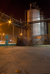 Cargill Tanks (RobSalmon) Tags: street light hairy yellow night photography lights long exposure raw industrial estate salmon rob ambient hull sodium vapour starburst tanks containers cargill wincolmlee hairyrob