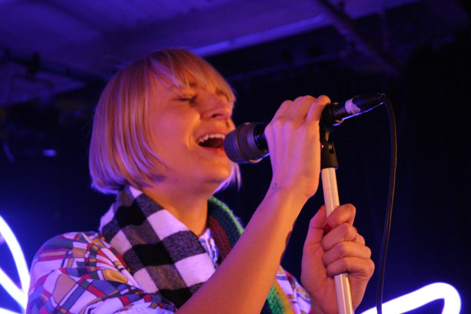 Sia Packs a Vocal Punch