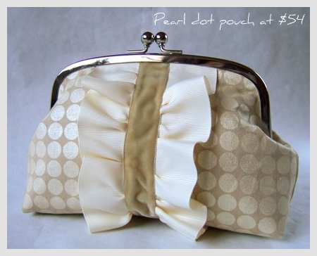 ruffle-pouch