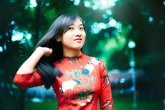 Ms Hien (Sài gòn-01665 374 974) Tags: red snor sony photography photographer flickr digital new featured light art life colorful colour photoshop blend bokeh dof depthoffield blur portrait beauty pretty people woman girl lady amazing asia camera sweet lens