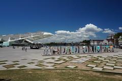 Museu do Amanhã and Praça Mauá, Rio de Janeiro (mattk1979) Tags: brazil riodejaneiro hills mountain outdoor praçamauá museudoamanhã olympic sign building city sun
