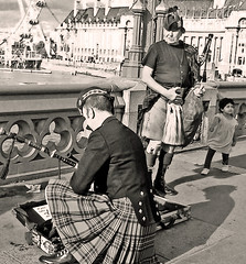 pipers (Brenda Malloy) Tags: uk england thames aquarium londoneye buskers brenda phonepix kilts malloy diogenes24