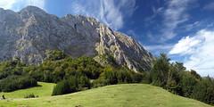 El Llaseiru, Quirs (jtsoft) Tags: mountains landscape asturias olympus cordilleracantbrica e510 ubia quirs zd1442mm parquenaturalubiaslamesa jtsoftorg
