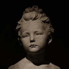 sculpture detail (Leo Reynolds) Tags: face museum sepia photoshop canon eos head onehead utata duotone f11 iso1600 muted 30d 65mm 1ev hpexif grouponehead 0017sec leol30random utata:project=sepia grouputata xsquarex groupsepiabw xleol30x xxx2007xxx xratio1x1x