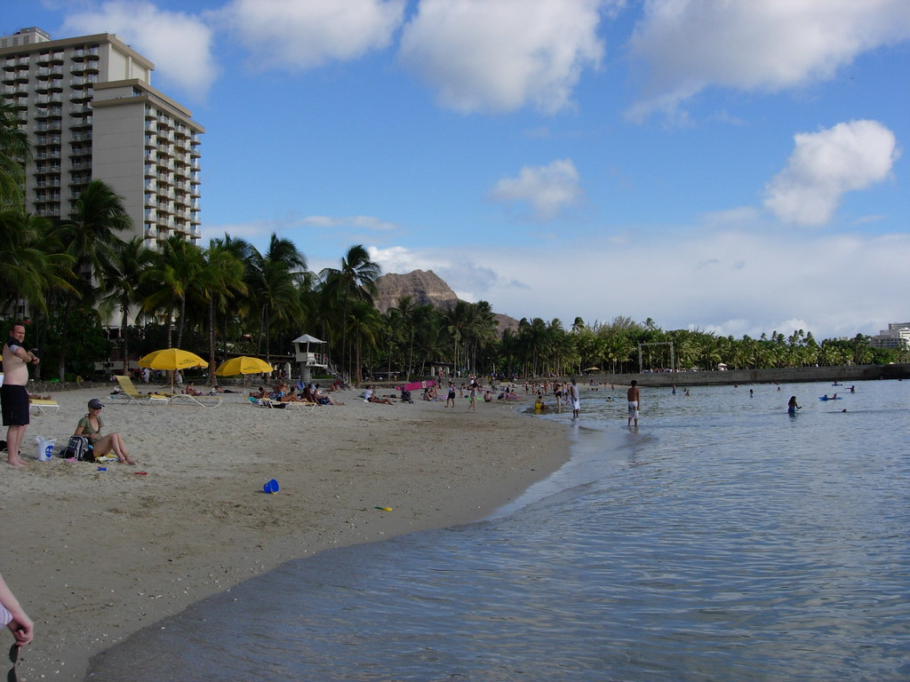 Waikiki Beach - Diamond Head