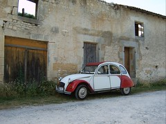 2CV (wirywords) Tags: france stjean