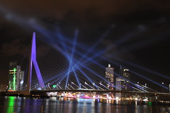 Erasmusbrug Rotterdam (f-l-e-x) Tags: bridge light favorite holland netherlands night clouds licht interesting rotterdam nikon colours view erasmus nacht nederland beam fave lasers mostinteresting laser multiple brug laserbeam lasershow oud erasmusbrug nieuw zwaan d300 erasmusbridge favoriet sjoerdvanoosten