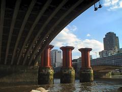 Thames 2001 #13