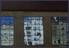 Espejos / Mirrors (P. Medina) Tags: españa canon reflections photo spain flickr foto mirrors ventanas medina glace reflejos espejos cristales acoruña lacoruña cs3 blueribbonwinner ventorrillo pacomedina canoneos400d canon400d canoseos400d tecendoredes pmedina