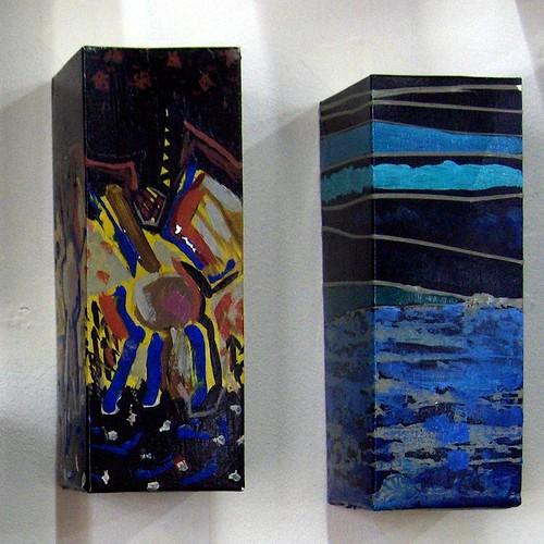 Erki Kasemets, Life-File, installation, 2008, Exposition Plaisirs de l'Imagination, Art contemporain d'Estonie, détails de boîtes de lait peintes (Château de Tours, avril 2008)