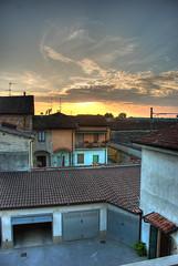 tramonto a Castiglione d'Adda (5ERG10) Tags: sunset italy sergio nikon tramonto e hdr highdynamicrange 3xp lodigiano d80 amiti castiglionedadda 5erg10 sergioamiti