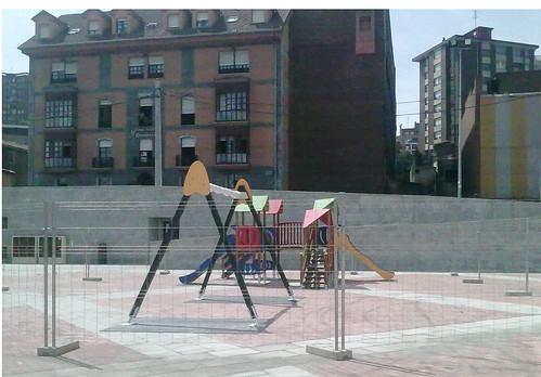 Parque Intantil. Plaza Burtzeña I.Barakaldo