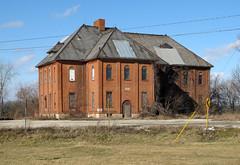 Irwin School - Irwin, OH (Pythaglio) Tags: county school ohio abandoned union slate irwin 1903 dormer