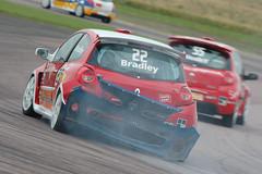 Renaultsport Clio Cup (Harry_S) Tags: cup d50 nikon clio renault barc btcc 80200 thruxton 197 renaultsport britishtouringcars