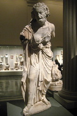 NYC - Metropolitan Museum of Art - Marble statue of an old market woman (wallyg) Tags: nyc newyorkcity ny newyork art statue museum greek nhl roman manhattan landmark ues sculture got