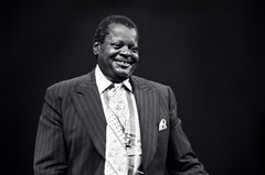 Oscar Peterson portrait -1977 (Tom Marcello) Tags: photography piano jazz jazzmusicians oscarpeterson jazzplayers jazzphotos jazzphotography jazzphotographs tommarcello