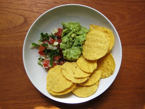 mas made guac and salsa