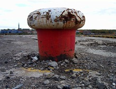 Metal Mushroom (Davy Ellis) Tags: docks wallsend shipyards