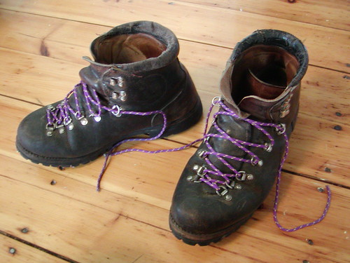 leather purple boots hiking vasque