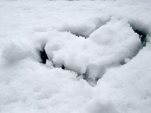 Snowy Tokyo (heart mark)