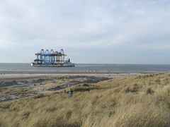 Busy beach.. (sjoerd_reverda) Tags: port rotterdam ship 10 zhen beached hua