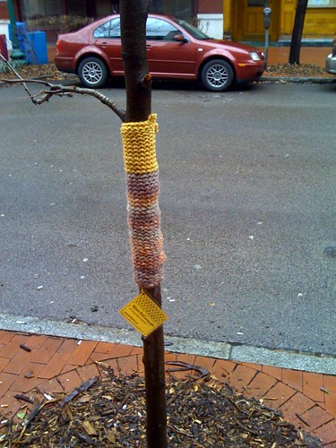 knitting graffiti artist