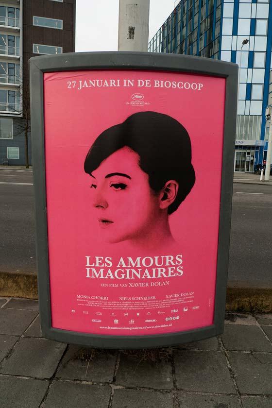 carteles en la ciudad de Ámsterdam