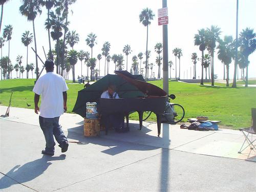Piano guy has new piano