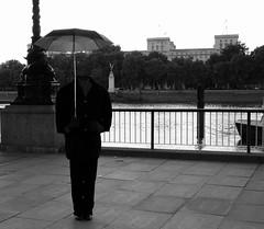 ...missing something? (manuela_davi) Tags: life blackandwhite bw strada bianco londra nero artista tamigi londa