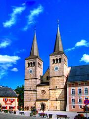 Berchtesgaden der Fuchs macht Druck (gatowlion) Tags: vacation photoshop germany bayern bavaria berchtesgaden kirche land schlossplatz fuchs druckerei druck bildbearbeitung berchtesgadener tonemapping
