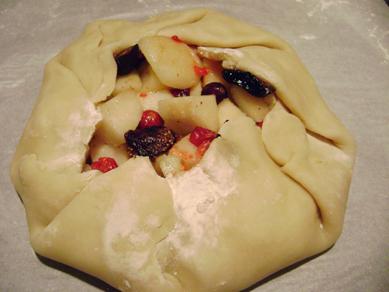 fig, apple, cranberry crostata