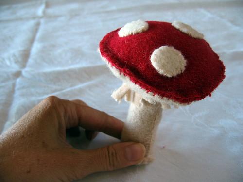 mushroom erect