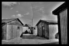 Fiskerhuse (apspresso) Tags: houses bw white black clouds denmark wooden nikon glow fishermen 1224mm antenna skagen bulging d300 inward
