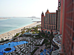 (R.O Mania) Tags: pool dubai resort atlantis jumairah uniqueoo