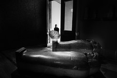 Mummies' Greet! (Mustafa Selcuk) Tags: archeology museum siyahbeyaz xpro2 fujifilm fujifilmtr monochromatic monochrome bw bnw blackandwhite turkey 2017 arkeoloji ayasofya istanbul street streetphotographer streetphotography streetshooter travel