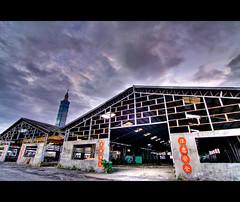 Now and Past in Taipei (pooldodo) Tags: photoshop canon eos taiwan tokina taipei   f28 hdr lightroom photomatix 50d t116 1116mm pooldodo