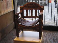 IMG_2895 (Rob Igo Photography) Tags: berlin church chair memorial fancy emperor wilhelm scoopt