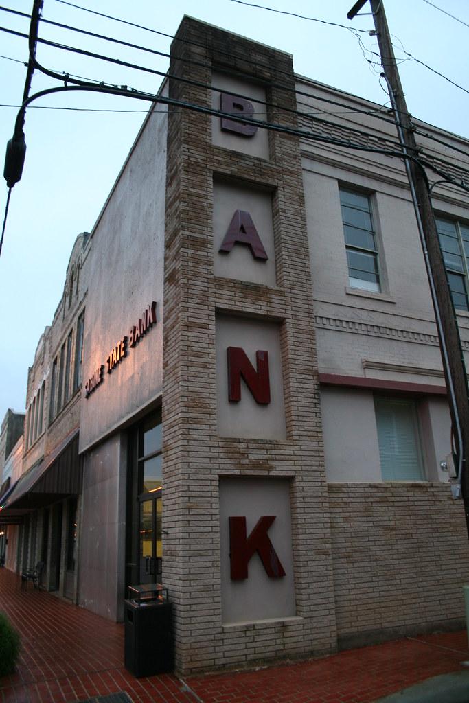 bank!