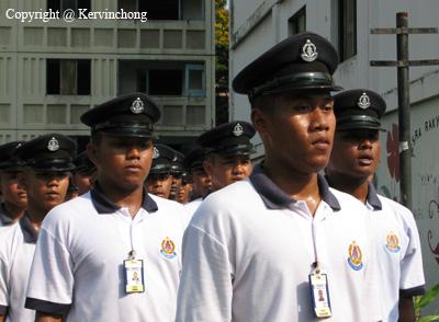 Trainees01