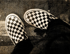I'm staring at my feet..My cheeks r turning red (✧S) Tags: shoe shot photos awesome bored vans p lame typical 3s ya uf borred albandri cherrykisses boredd borrrred lolthanksya2lby3altagsxdluvumore