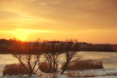 Sunset over lake (darkves) Tags: sunset sun lake snow landscape wind blow sneg banat ravnica pejza koava darkoveselinovic