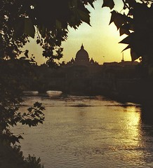 Roma 1990, Er Cupolone dar Fiume. (marcop@flickr) Tags: rome colour roma film canon tevere a1 canona1 rs pellicola cupolone stampa imagepoetry amazingshots imageposie marcopalumbo