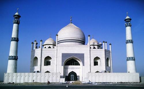 Fatem Al Zahraa Mosque - front