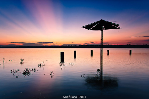 DiPayung Mentari by Arief Rasa